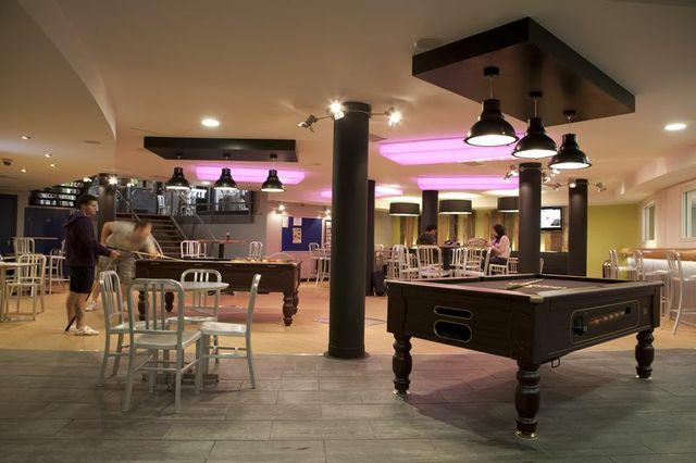 Generator Dublin - Pool Table
