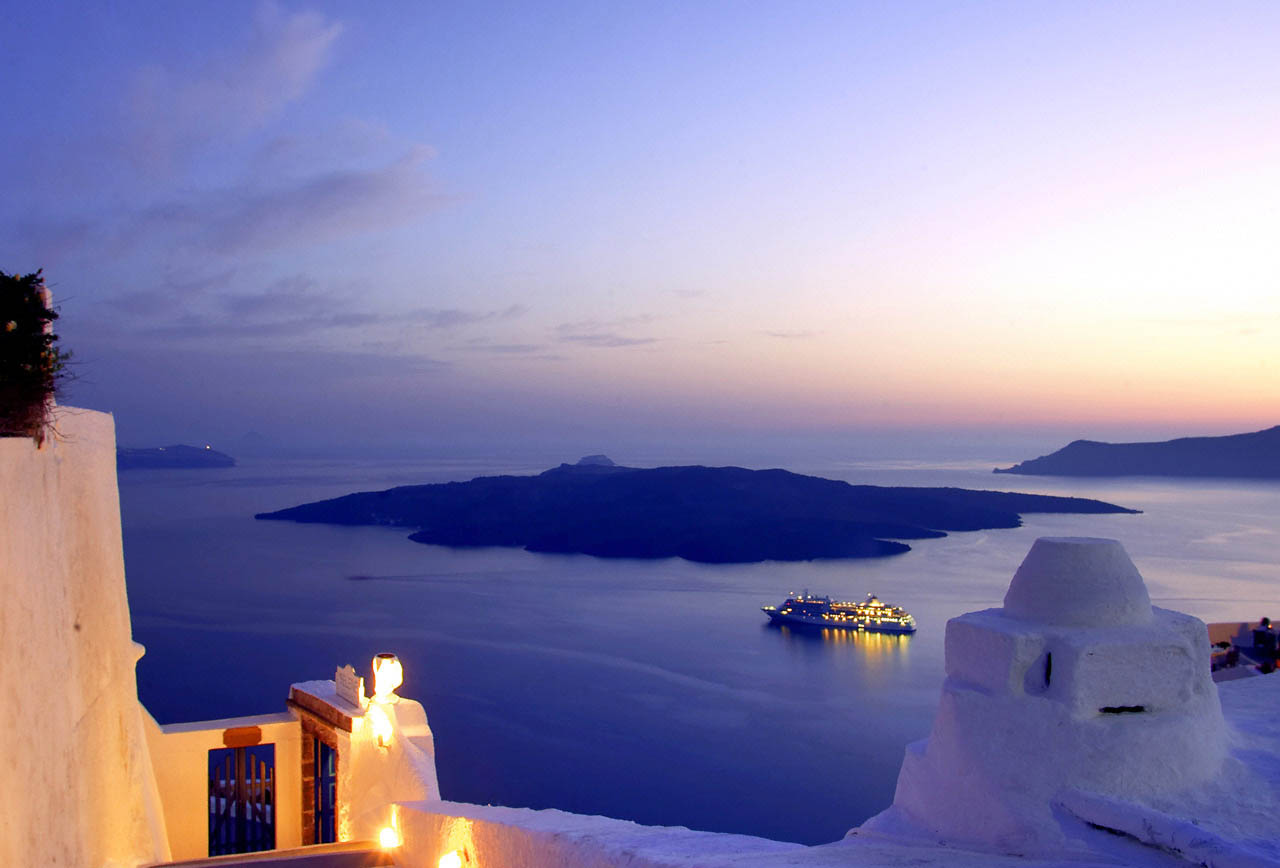 Love's Young Dream in Santorini